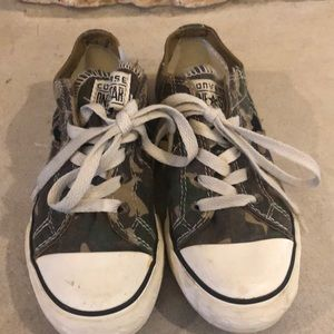 Converse One Star Camo Sneakers Sz 2.5